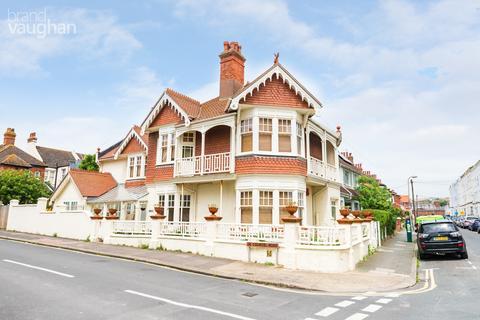 5 bedroom semi-detached house to rent - De-Courcel Road, Brighton, BN2