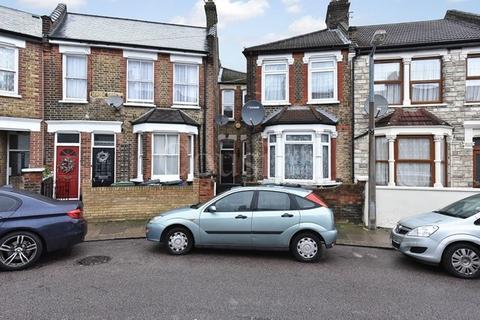 2 bedroom terraced house to rent - Strode Road, London, N17