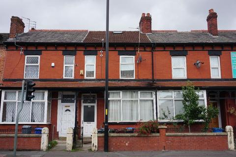 Studio to rent - Stockport Road, Levenshulme, Manchester, M19
