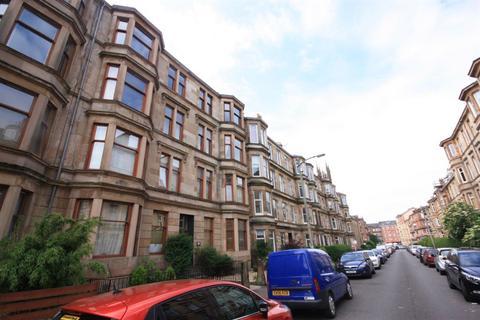 3 bedroom flat to rent - Roslea Drive, Glasgow