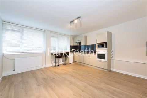 Studio to rent - South Hill Park Gardens, Hampstead, London