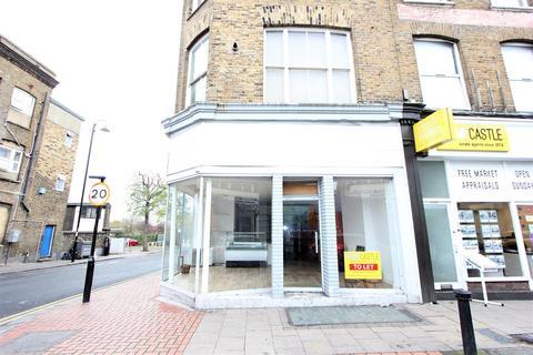 Shop to rent - High Street, London