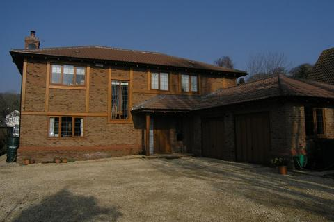 4 bedroom house to rent - The Grange, Coombe Dingle