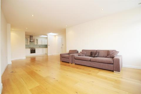 2 bedroom apartment to rent - Stanmore Towers, Stanmore, HA7