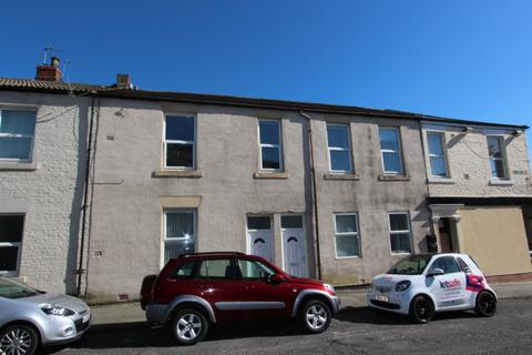 2 bedroom flat to rent - William Street, North Shields.  NE29 6RJ  *NEWLY REFURBISHED*