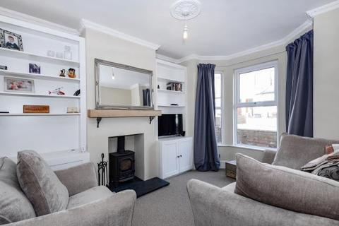 3 bedroom terraced house to rent - Belmont Road,  Reading,  RG30