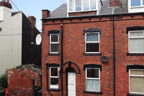 2 bedroom house to rent - Whingate Avenue, Leeds