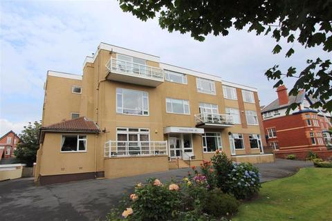 2 bedroom apartment for sale - Clifton Drive South, Lytham St Annes, Lancashire