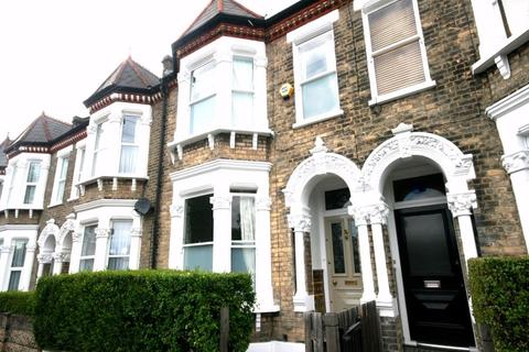 4 bedroom detached house to rent - Hearnville Road, Balham