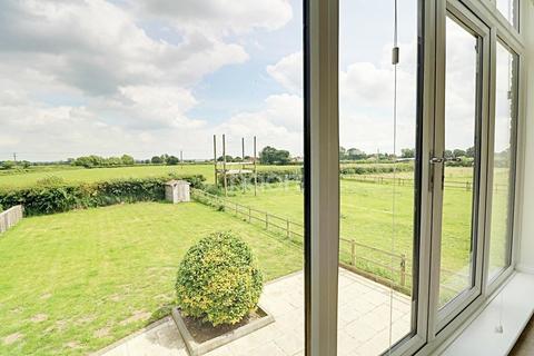 4 bedroom detached house for sale - Manor Lane, Broadholme