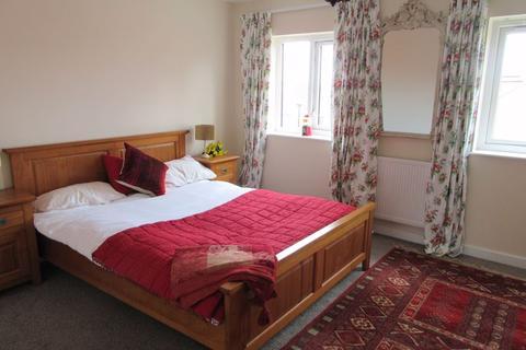 4 bedroom house to rent - SPACIOUS 4 BEDROOM HOUSE, Scanlon Lane, Salford