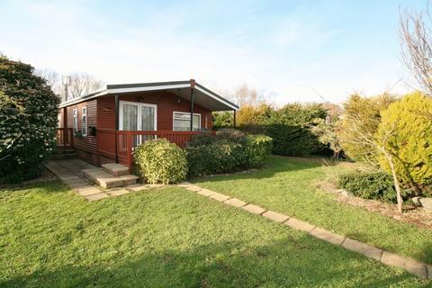 2 bedroom lodge for sale - Brightlingsea Leisure Village, Promenade Way, Brightlingsea