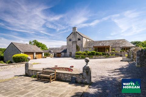 5 bedroom farm house - Clemenstone, Vale Of Glamorgan, CF71 7PZ