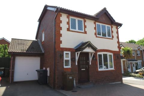 3 bedroom detached house to rent - Melrose Close, Hailsham, BN27