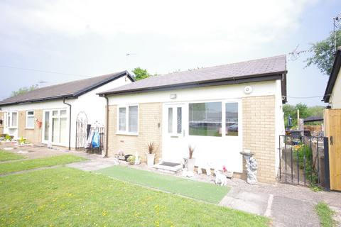 2 bedroom detached bungalow for sale - Willow Grove, Talacre