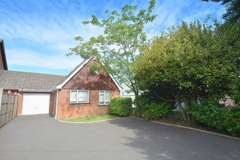 2 bedroom detached bungalow for sale - Wimborne Road, Corfe Mullen, Wimborne
