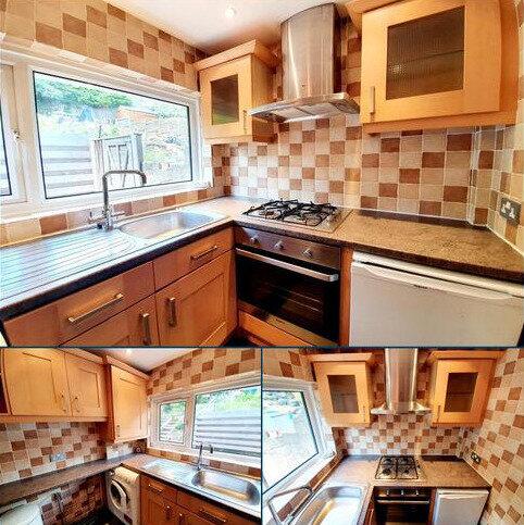 2 bedroom maisonette to rent - Avondale Avenue, East Barnet
