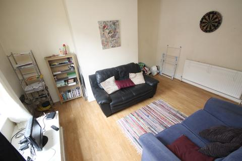1 bedroom house share to rent - Beamsley Place, Hyde Park, Leeds, LS6 1JZ