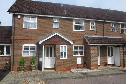 3 bedroom semi-detached house to rent - Coniston Close, Woodley, Reading, RG5 4AY