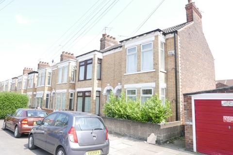3 bedroom terraced house to rent - 20 Dryden Street, Hull, HU8 8ND