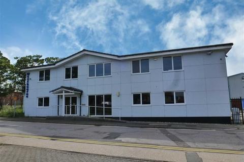 Industrial unit to rent - Shorncliffe Industrial Estate, Folkestone, Kent