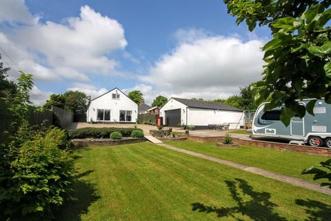 3 bedroom detached bungalow for sale - Beaumont Hill, Darlington