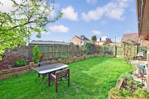 4 bedroom detached house for sale - Lammas Drive, Milton Regis, Sittingbourne, Kent