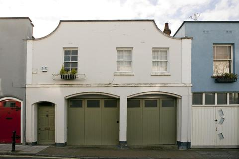 4 bedroom terraced house to rent - Princess Victoria Street, Clifton