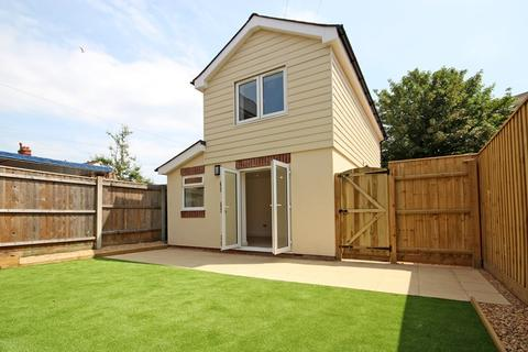 2 bedroom detached house for sale - Walpole Lane, Boscombe, Bournemouth