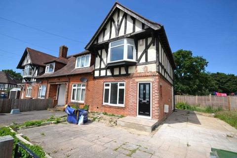 4 bedroom semi-detached house to rent - Merry Oak Green, Merry Oak, Southampton