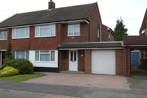 4 bedroom semi-detached house to rent - Rochester Avenue, Woodley, Reading, Berkshire, RG5