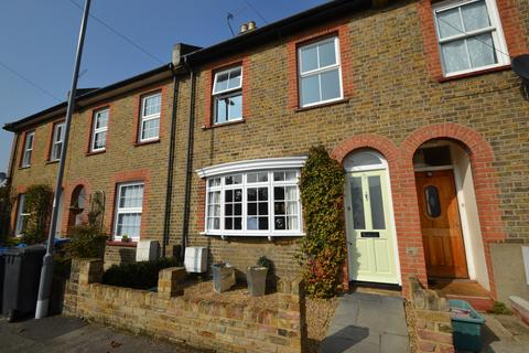 3 bedroom cottage to rent - Surbiton