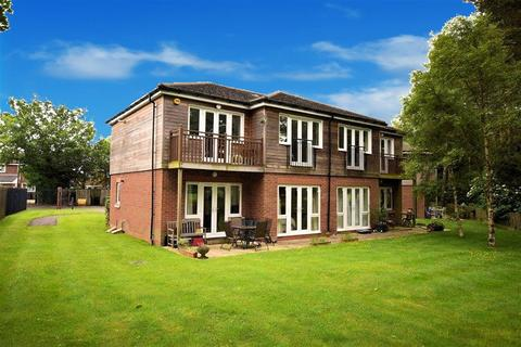 2 bedroom flat for sale - Ashorne Close, Birmingham, B28 9NZ
