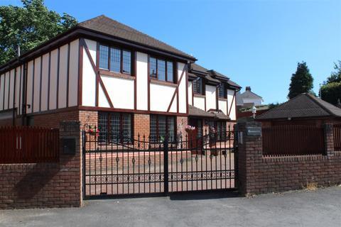5 bedroom detached house for sale - Greenacres, Mayals Green, Mayals