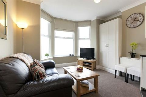 2 bedroom apartment to rent - Short Stay - Radcliffe - P2124