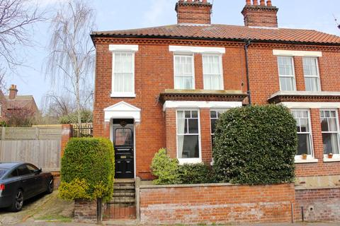 4 bedroom end of terrace house to rent - Whitehall Road, NR2