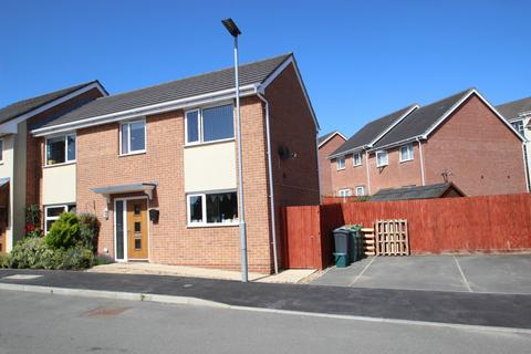 3 bedroom semi-detached house for sale - Beauchamp Drive, Newport