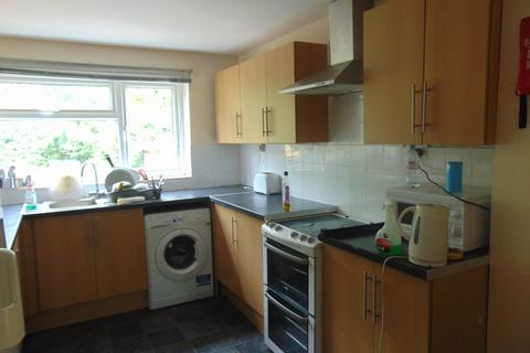5 bedroom semi-detached house to rent - Harefield Road, Southampton