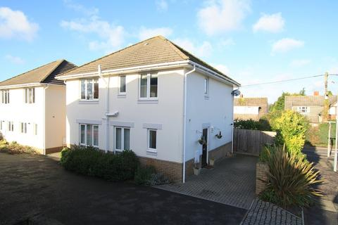 4 bedroom detached house to rent - Library Road, Ferndown