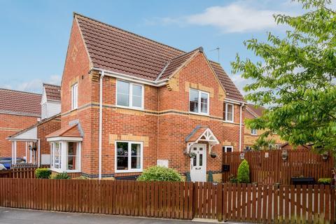 3 bedroom semi-detached house for sale - Raikes Avenue, Bradford 4