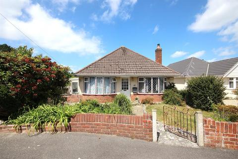 2 bedroom detached bungalow for sale - Abbotsbury Road, Broadstone