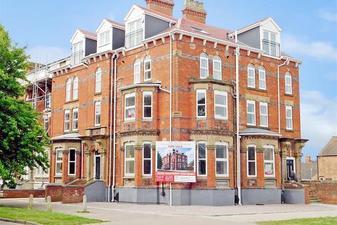 2 bedroom apartment for sale - Rutland Road, Skegness, Lincs, PE25 2AY