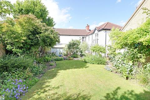 4 bedroom end of terrace house for sale - Main Road, Washingborough