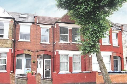 3 bedroom flat for sale - Chapter Road, NW2