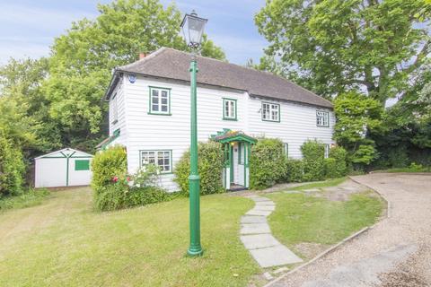 5 bedroom cottage for sale - Epping Road, Ongar, CM5