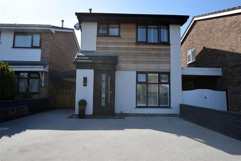 3 bedroom detached house for sale - Arden Avenue, Alkrington, Middleton