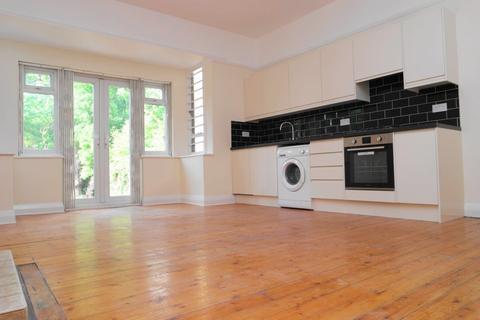 2 bedroom flat to rent - St Mildreds Road, Lee, SE12