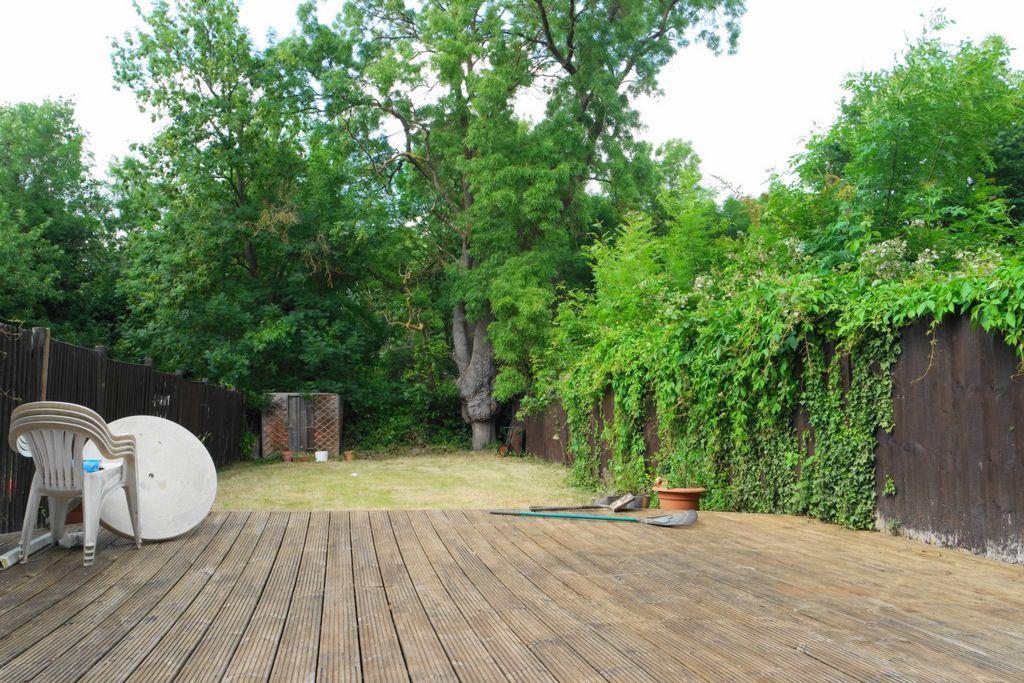 Decking/Garden