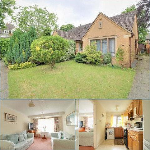 2 bedroom bungalow for sale - Headley Village. Hampshire