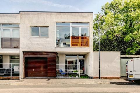 2 bedroom semi-detached house for sale - Gibson Road, Cotham